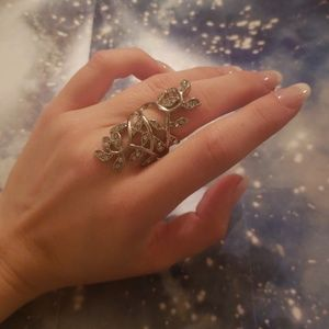 Jewelry - Silver Floral Vine Fashion Ring